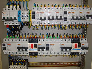 Electricidad gasolineras antonio santos gutierrez for Como montar un cuadro electrico